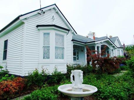 Ashton Gate Guest House 32 High Street Launceston