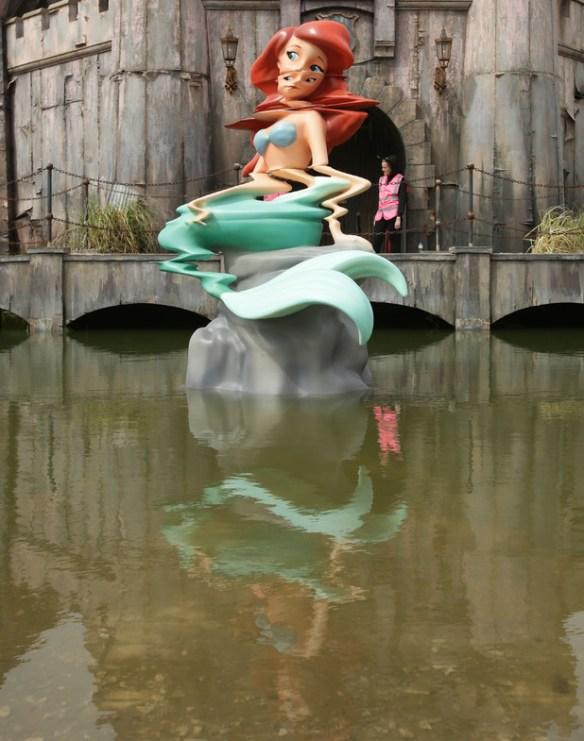 <b>Banksy</b> skewers Disneyland with new '<b>Dismaland</b>' theme park in Weston ...