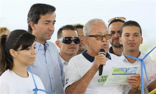 Fortuño lanza plataforma de energía