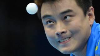 乒乓球让你看看世界第一横打的厉害