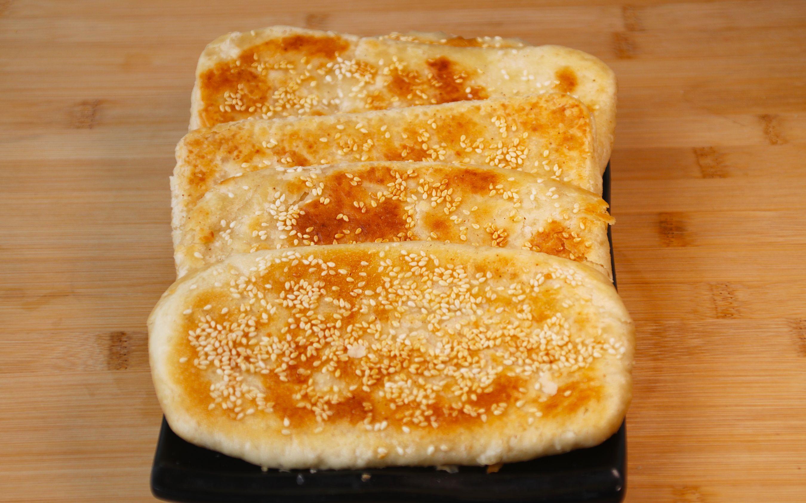 香酥芝麻燒餅酥掉渣做法。學會這個技巧。沒有烤箱在家也能做_嗶哩嗶哩 (゜-゜)つロ 干杯~-bilibili