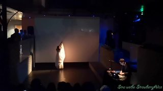 【Strawberry Alice】2019表演艺术新天地:沉浸式影音舞蹈《一沙一世界》,手机拍,2019-06-08 20:30 上海新天地·新里中庭