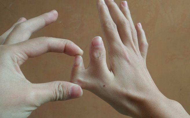 教你變出6根手指,很多人想學卻學不會,今天就能學會!_嗶哩嗶哩 (゜-゜)つロ 干杯~-bilibili