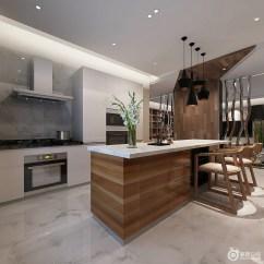 Metal Kitchen Island Cabinets Showroom 厨房线条整洁 而以暖光渲染幻影效果 并与黑色黄铜吊灯呈对比艺术 通透 并与黑色黄