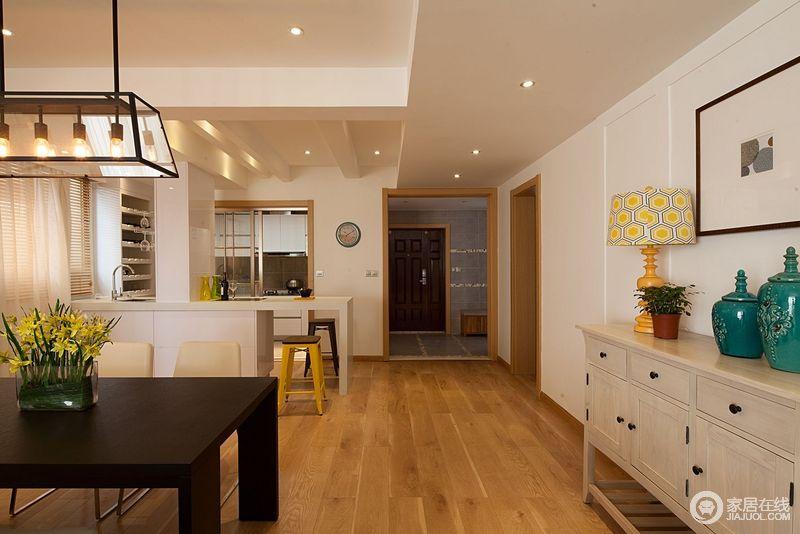 kitchen stool high end cabinets 餐厅承接厨房与客厅 中间通过吧台作为过渡 开放之余 更为自由 白色的 rq5ceq3ojglt2o3l4g7e jpg l