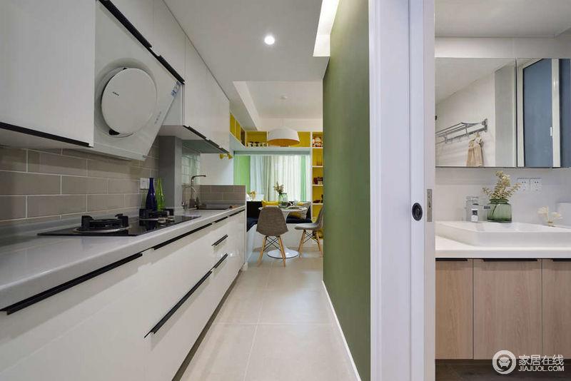 remodel a kitchen articulating faucet 进门以后的走廊改造成了一字型厨房 不占用其他空间单另做一个厨房 橱柜 不占用其他空间