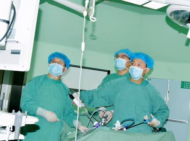 乳山市人民醫院泌尿外科精準治療再突破「個性化方式」成功切除輸尿管癌 - 每日頭條