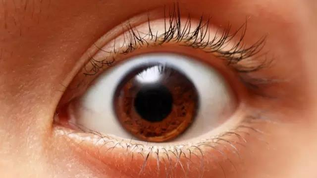 眼睛出現紅血絲。該如何快速消除呢? - 每日頭條