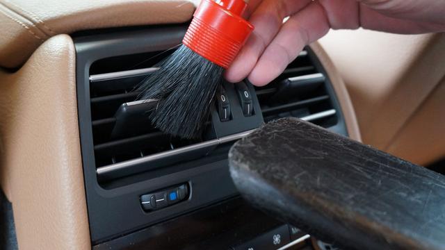 只用兩桶水。怎樣把車洗乾淨? - 每日頭條