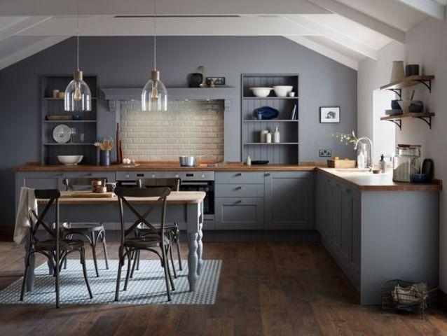 grey kitchen backsplash outdoor shed 一篇文章 让你找到喜欢的那种灰色厨房 每日头条 添加金属拉手和固定装置 令人眼花缭乱的后挡板和有趣的吊灯和瓷砖 瞧 一处惊人的深灰色厨房就这样做成了