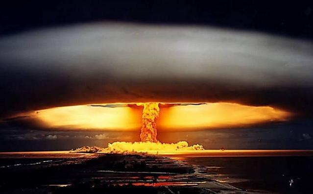 一聲巨響。1000萬噸氫彈掉落美國本土。差點引爆 - 每日頭條