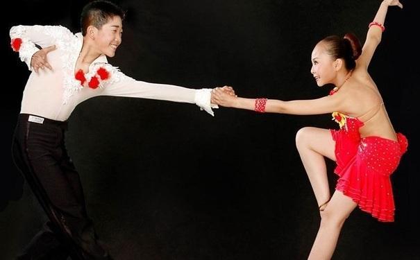 跳拉丁舞要注意什麼 拉丁舞過程中注意事項 - 每日頭條