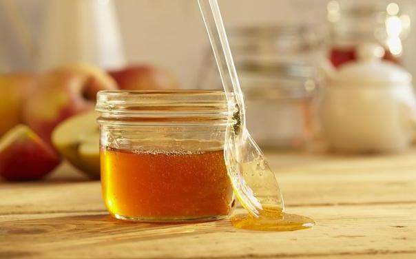 蜂蜜水健康好處多。常喝蜂蜜水有什麼功效。食用蜂蜜有哪些誤區? - 每日頭條