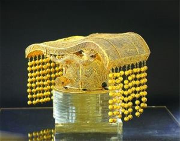 皇帝冕旒上面的那顆珠子是什麼來頭?慈禧也有一顆。極其珍貴 - 每日頭條