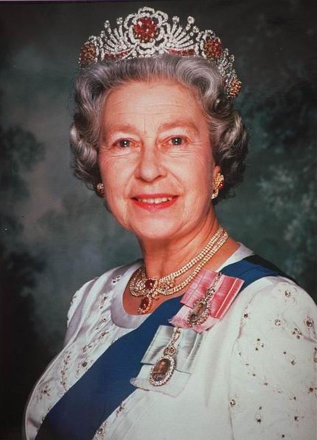 15張鈔票看伊莉莎白二世從8歲到85歲的相貌變化 - 每日頭條