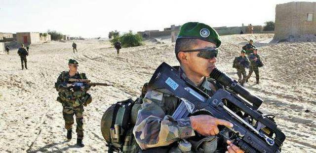 法國外籍軍團的武器是不是比普通法軍好?戰鬥力強很多 - 每日頭條