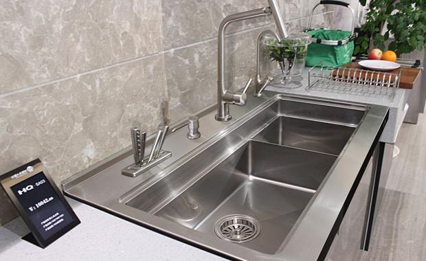 standard size kitchen sink table with drawers 厨房水槽尺寸一般是多少厨房水槽尺寸常见的有哪些 每日头条 目前 商场里出售各种水槽 它们的尺寸也不同 那么水槽的大小是多少 厨房水槽的一般尺寸是多少 接下来 小编与大家分享厨房水槽尺寸一般是多少 厨房水槽尺寸常见