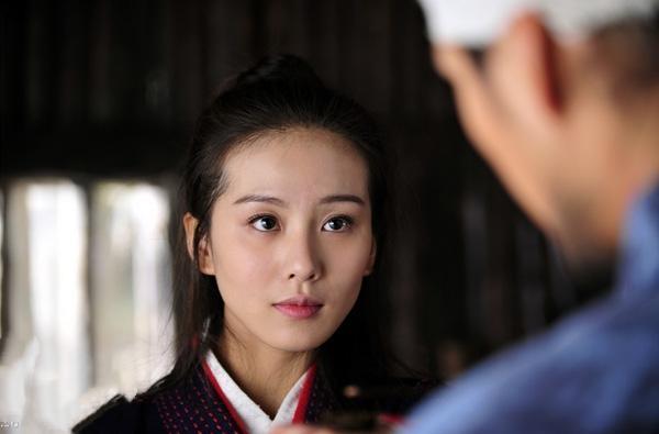 劉詩詩本色出演刁蠻公主。為愛走天涯。男裝更顯英氣 - 每日頭條