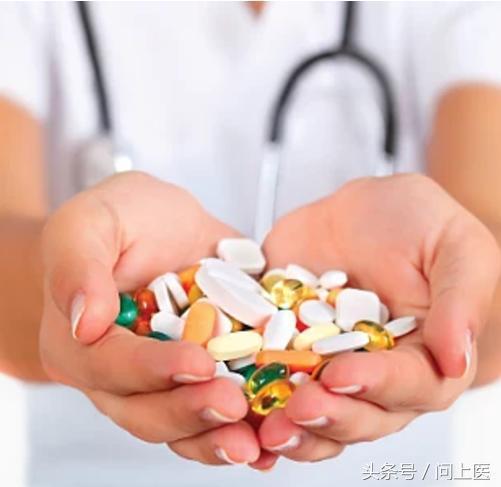 降血脂的他汀類藥物什麼時間吃最好?常見3種副作用要知道! - 每日頭條