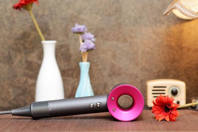3000元買個吹風機還覺得值,瘋了嗎?戴森HD01吹風機詳測 - 每日頭條