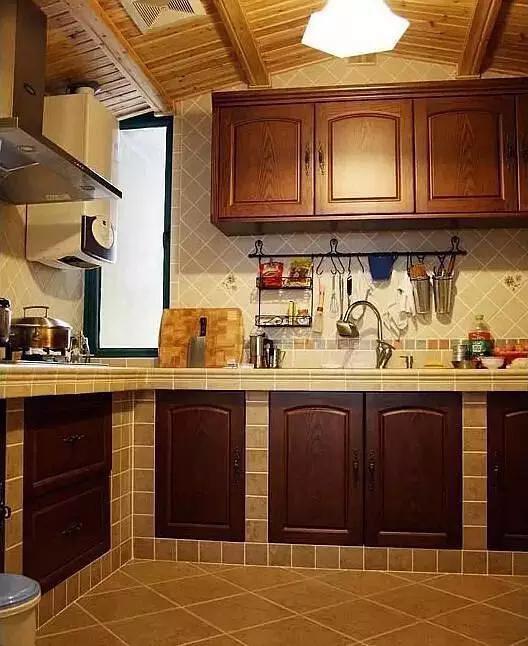 越來越多昆明人櫥櫃不用不鏽鋼臺面。現在流行用這個。便宜又耐用 - 每日頭條