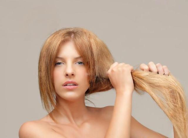 頭髮乾枯毛躁怎麼辦?小竅門 頭髮變順滑烏黑不脫髮 - 每日頭條