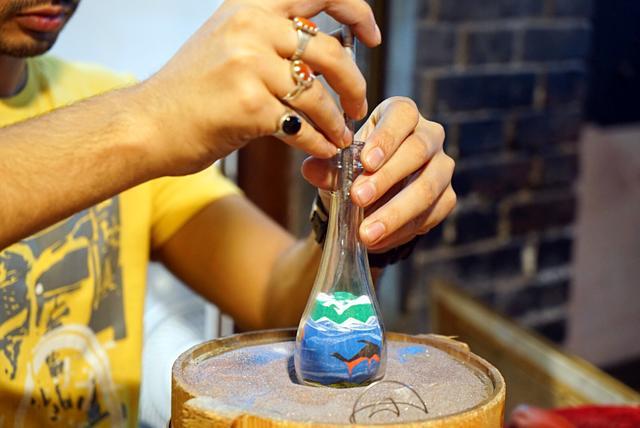 如何把整座沙漠藏在一個瓶子裡——神奇美麗的「沙瓶畫」 - 每日頭條