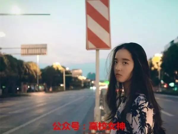 四川17歲籃球隊少女。顏值超高。酷到沒朋友! - 每日頭條