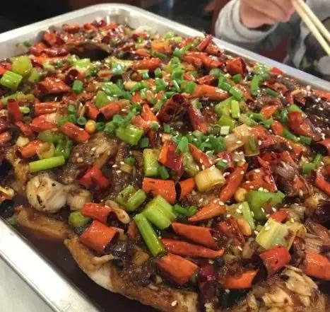 北京的冬天除了火鍋還有什麼?烤魚!烤魚!烤魚! - 每日頭條