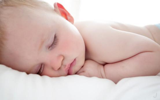 新生兒一天要睡多久才最合適,這才是最佳睡眠時間 - 每日頭條