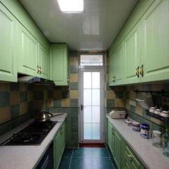 Green Kitchen Decor Cart With Storage 6款小户型绿色厨房橱柜装修效果图 满屋的春意 真美 每日头条 U型的小户型厨房装修 橄榄绿色的橱柜搭配上暖黄色的墙面仿古瓷砖和白色的石英石台面 这样的厨房设计给人一种冷静且舒适的感觉