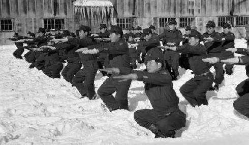運氣附身:二戰日軍囊廢師團。現今陸上自衛隊有番號 - 每日頭條