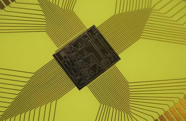 美科學家研發新型晶片實驗室:有望集成到可穿戴設備中! - 每日頭條