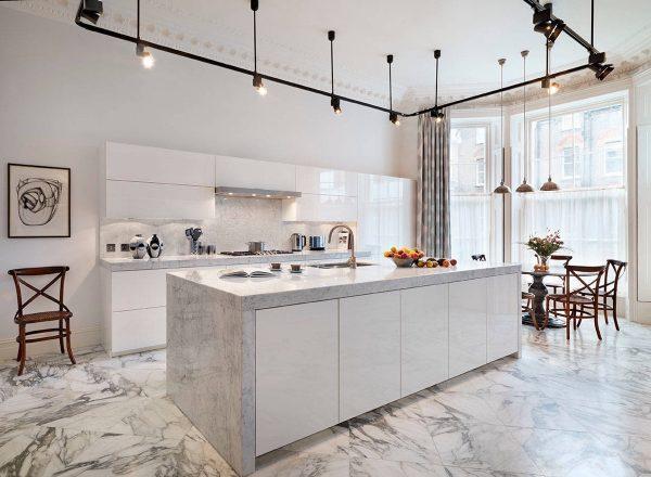 kitchen floor marble art for wall 厨房设计必须要有个性 8款大理石厨房 美 每日头条 8款大理石厨房设计 北欧极简风 木地板灰墙面 白色的大理石 这样的纹路在整体算另一种美