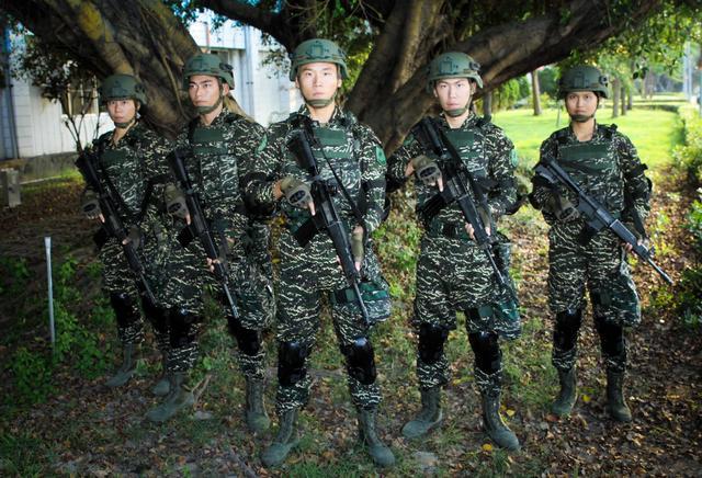 臺軍換新虎斑數碼迷彩服 號稱偽裝效能提升3成 - 每日頭條