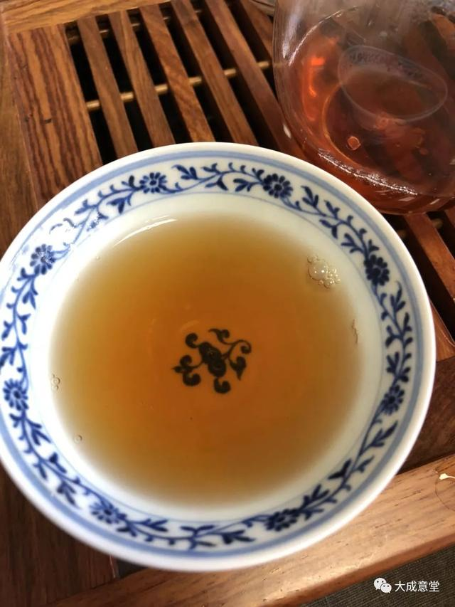 「品茶」02勐庫戎氏野生大雪山厚磚品飲 - 每日頭條