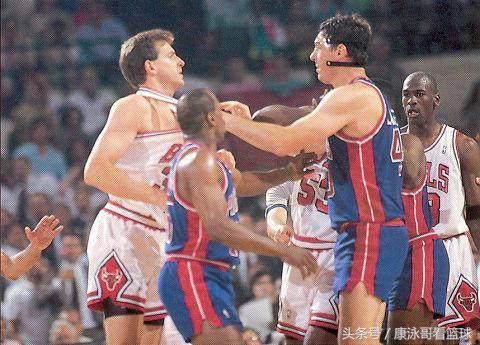 格林打球髒,NBA打球比他更髒的,除了阿泰羅德曼你還知道幾個? - 每日頭條