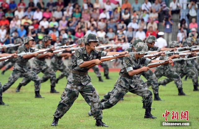 駐港部隊昂船洲軍營舉行開放日活動 - 每日頭條