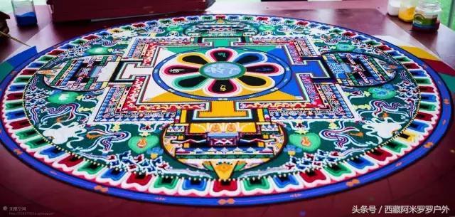 繁華世界。不過一掬細沙——「彩粉之曼陀羅」。神奇的西藏壇城沙畫 - 每日頭條