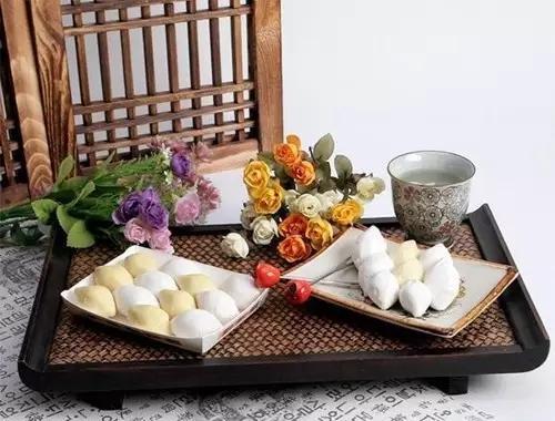 韓國人過中秋:吃特色食物鬆餅。祭拜祖先外還要上山掃墓 - 每日頭條
