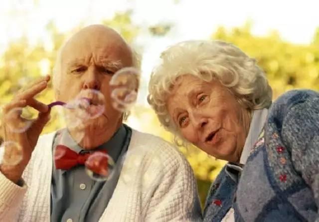 老年人牙齒護理要避開五個誤區 - 每日頭條
