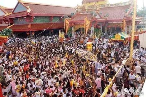 雖然國喪將近,但泰國一年一度的「九皇齋節」還是要辦的! - 每日頭條