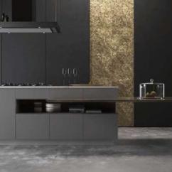 White Kitchen Bench Knife Magnet 澳都新创意36令人诱人的黑色厨房橱柜 让你为你的家居创造一帘幽梦 把你的厨房里的学士学位放在男性黑色的内部 拥有光滑的黑色橱柜 木炭墙壁和简单的模具 所有人都需要一个白色的长凳来称呼自己