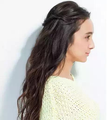 知道燙髮後怎樣扎頭髮好看嗎?這樣扎整個人都超美的! - 每日頭條