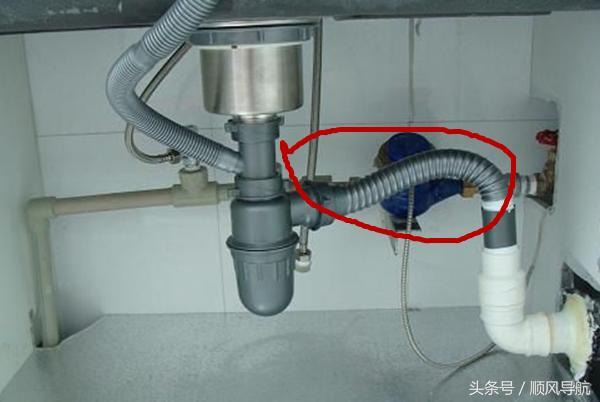 廚房有異味 竟然是因為水槽少安裝一個部件 看看你家可安裝嗎 - 每日頭條