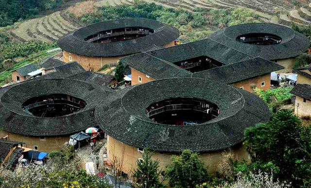傳統民居:錄入世界遺產名錄的客家土樓 - 每日頭條
