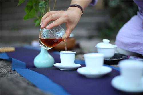痛風病能喝茶嗎 痛風飲食有八忌 - 每日頭條