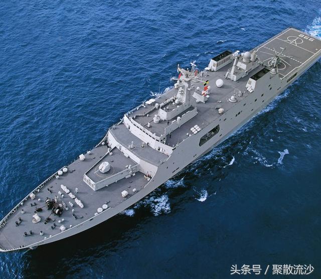滿載20000噸。可載50輛作戰車輛。中國兩棲艦船的開山之作 - 每日頭條