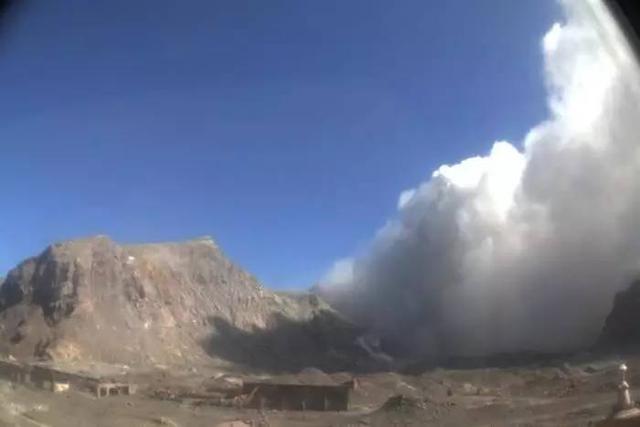 《末日崩塌》要上演紐西蘭真實版?地震還沒平息,火山又來噴發! - 每日頭條