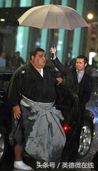 日本相撲艱辛增肥路。月收入20萬。你願意嗎? - 每日頭條